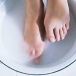 как парить ноги при температуре