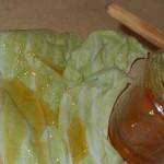 Мед и капустный лист