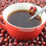 настой черной смородины или ягод шиповника