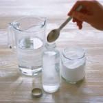 смесь из соли, соды и воды