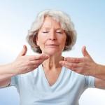 Как быстро вылечить насморк и боль в горле вне дома